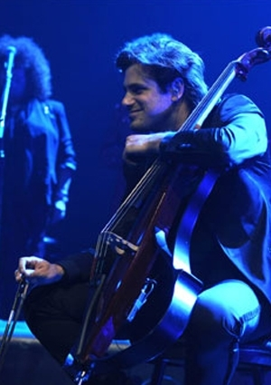 2 Cellos Etkinlik Afişi